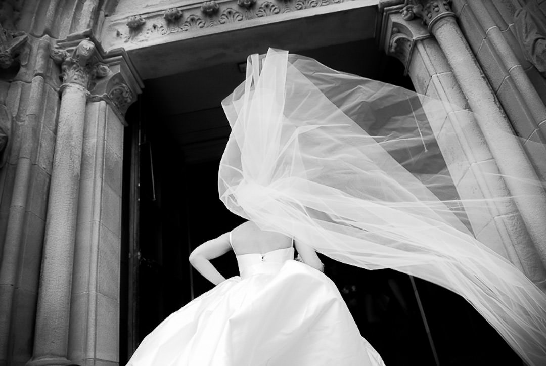 Brides veil- bride's arrival at wedding-Documentary Black and White wedding Photography in Glasgow City