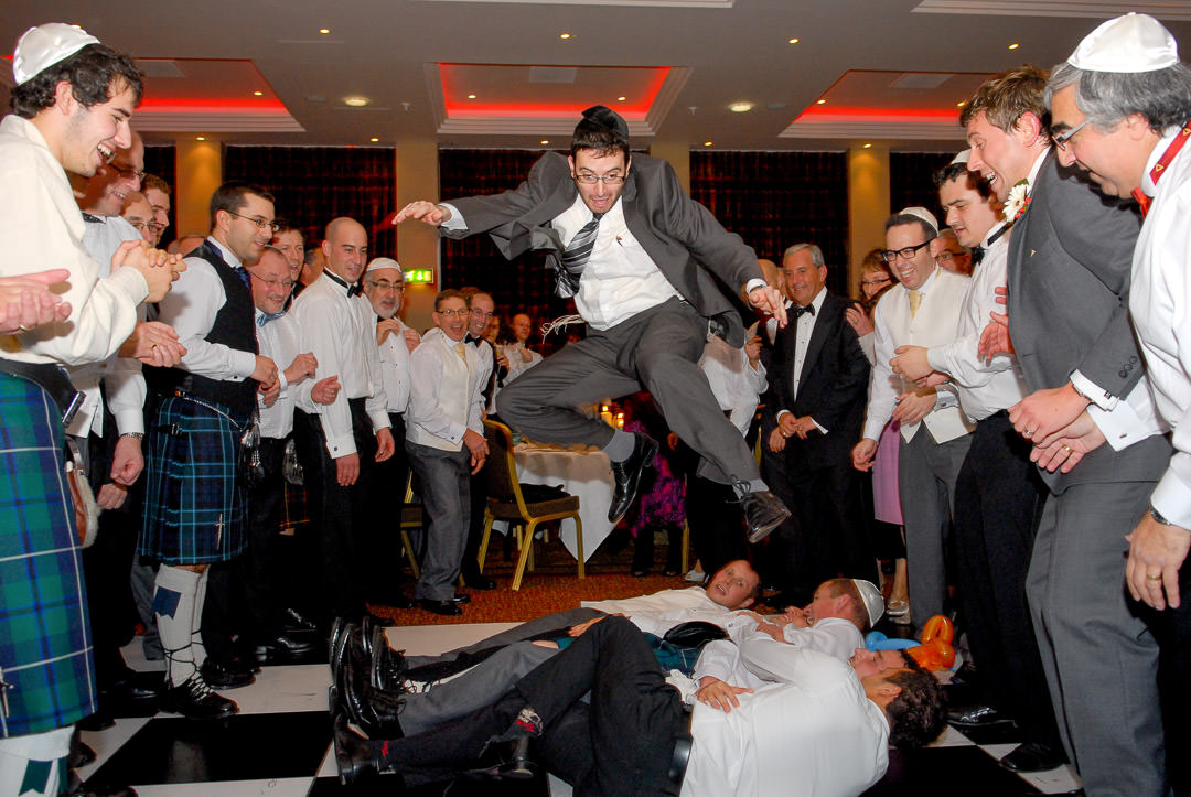 jewish wedding celebration-dancing at wedding-glasgow jewish wedding