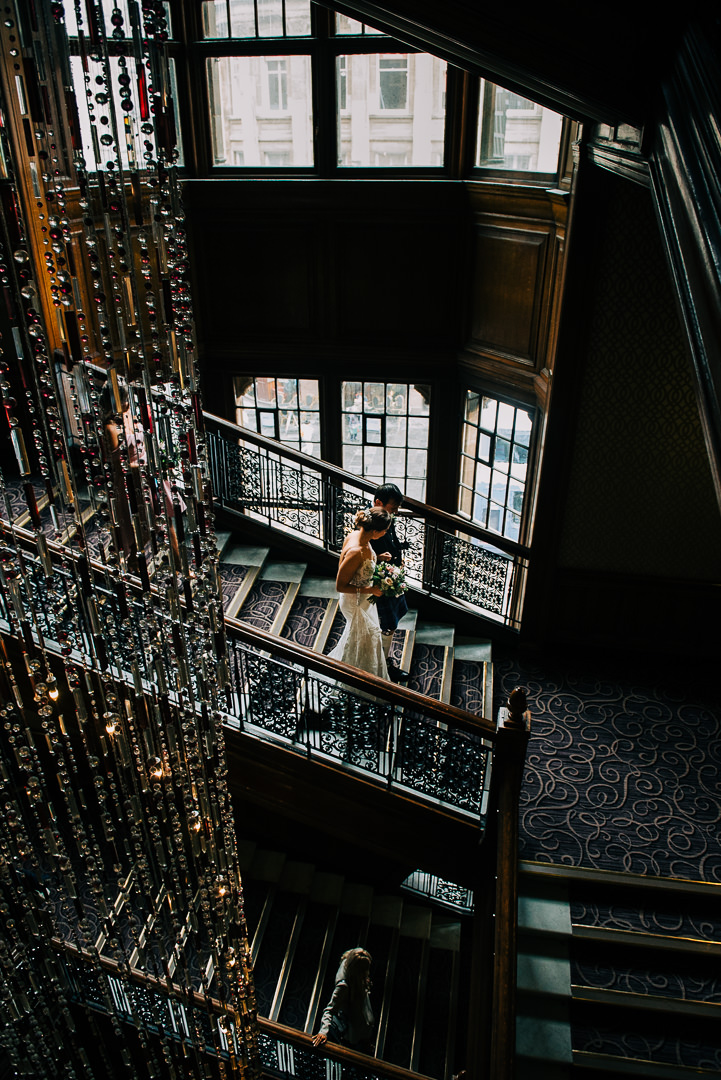 grand central hotel glasgow staircase, bride and Dad on Grand Central hotel staircase glasgow