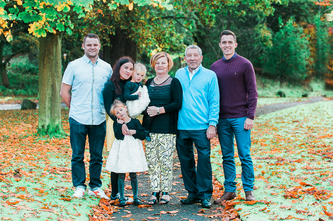 autumn family portraits, autumn family walk, informal photography glasgow