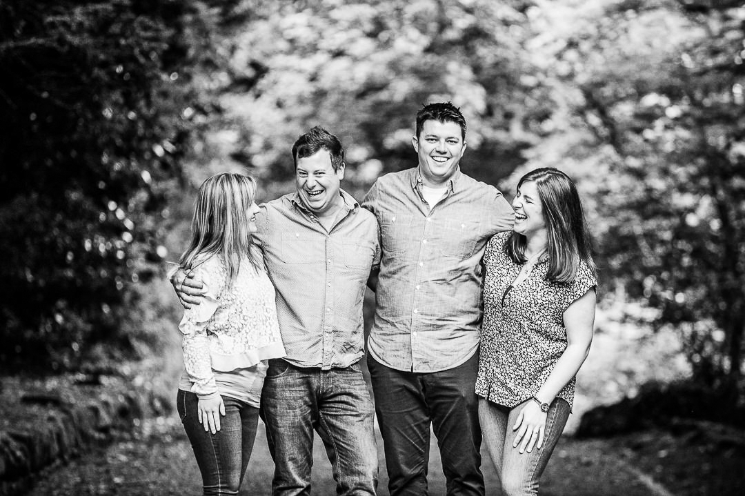 laughing family photograph, siblings having fun, pollok park family photography