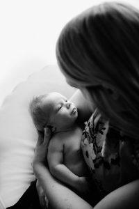 Glasgow Newborn Photography, minimalist newborn glasgow, simple newborn glasgow, baby led newborn glasgow, award winning newborn, baby photos glasgow-29