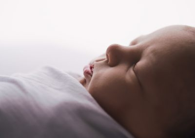natural newborn photography, studio newborn baby photography, close up newborn image, glasgow newborn photography
